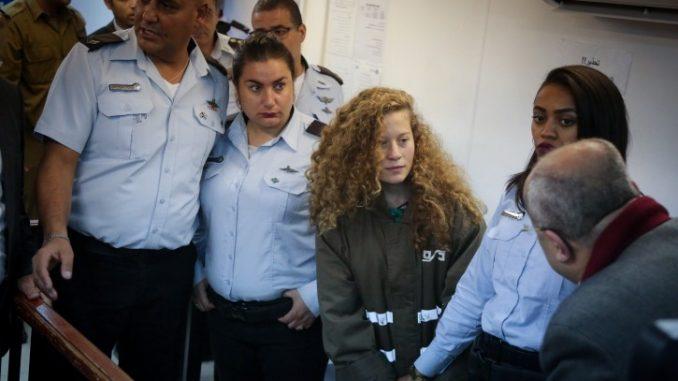 Aktivis Ahed Tamimi Dihukum Penjara 8 Bulan oleh Israel