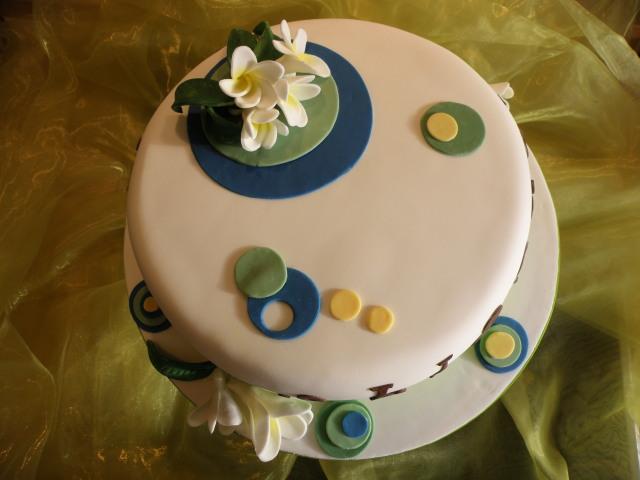 Retro Torte mit Blüten