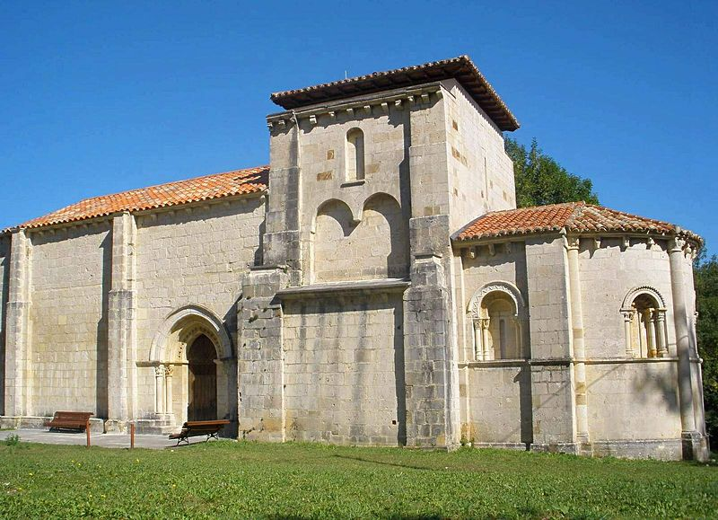 http://4.bp.blogspot.com/-AXDfgNnq2qE/UMuFjHZh1nI/AAAAAAAAAlo/r5pgKx_aSd8/s1600/800px-Quintanilla_de_Siones_-_Iglesia_de_Santa_Maria_de_Siones_01.jpg