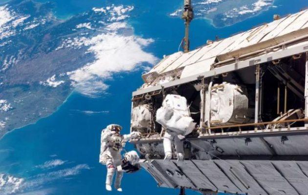 Διαρροή οξυγόνου στον Διεθνή Διαστημικό Σταθμό – Μικρομετεωρίτης χτύπησε το ρωσικό τμήμα