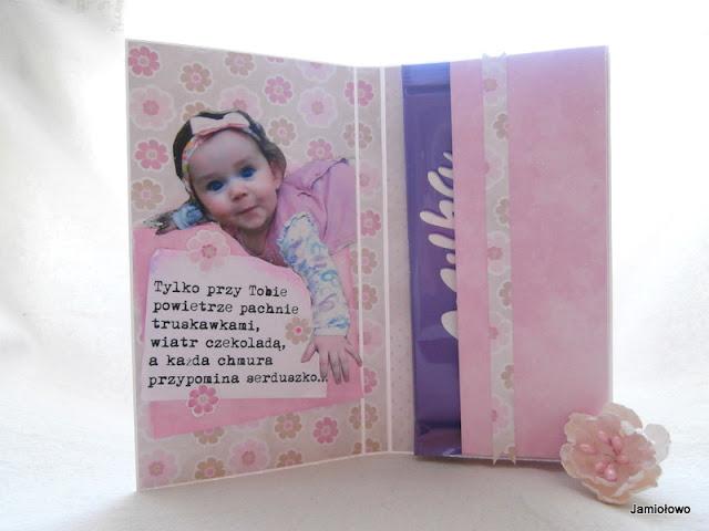 zdjęcie dziecka i życzenia w czekoladowniku