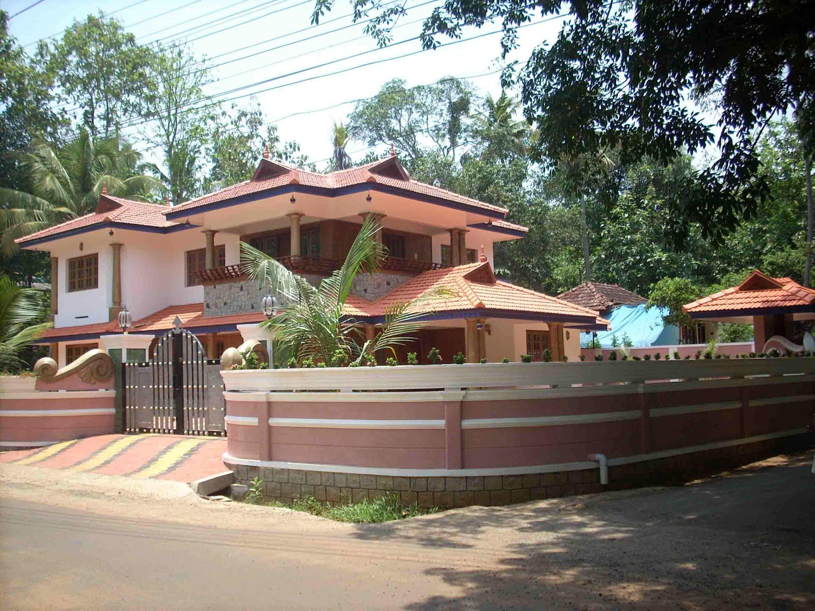Design concepts for gate and compound for Kerala style pillar design