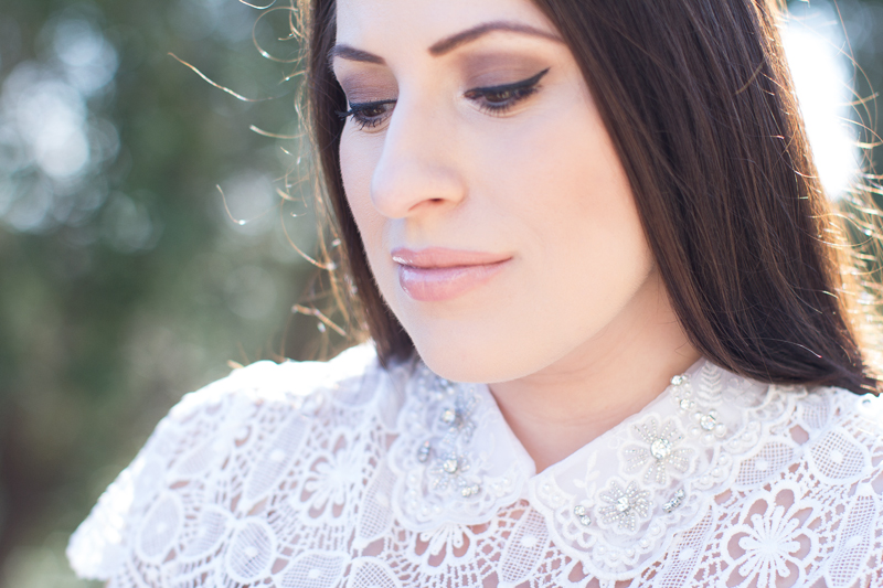 summer makeup smokey eye, embellished lace dress