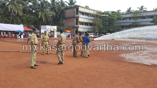 News, Kerala, Kalolsavam, Chemnad, Fire force, Program, Dust problem solved by fire force
