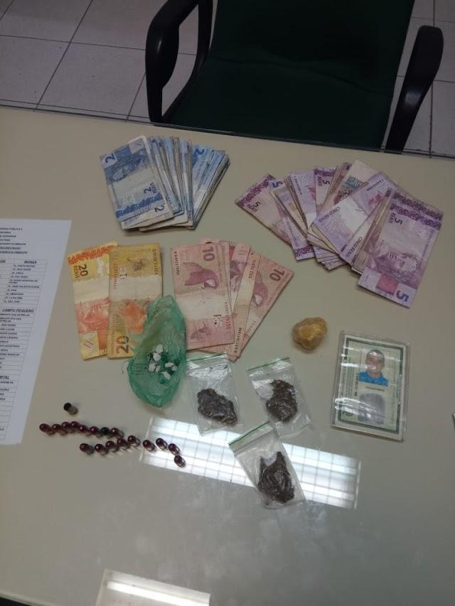 Mulher suspeita de tráfico de drogas é presa em Colombo