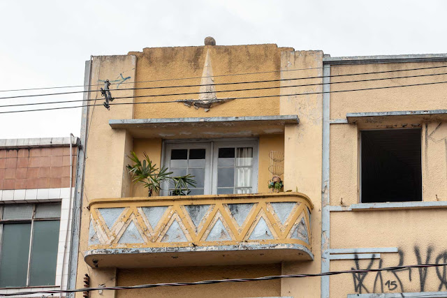 Detalhes de edifício na Rua Ruachuelo