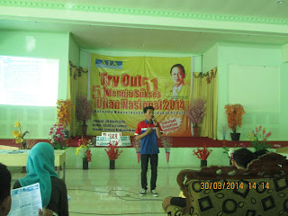 English teacher in Makassar
