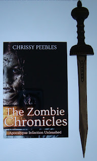 Portada del libro The Zombie Chronicles, de Chrissy Peebles