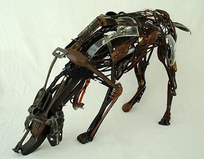 Esculturas de perro  Sayaka Ganz