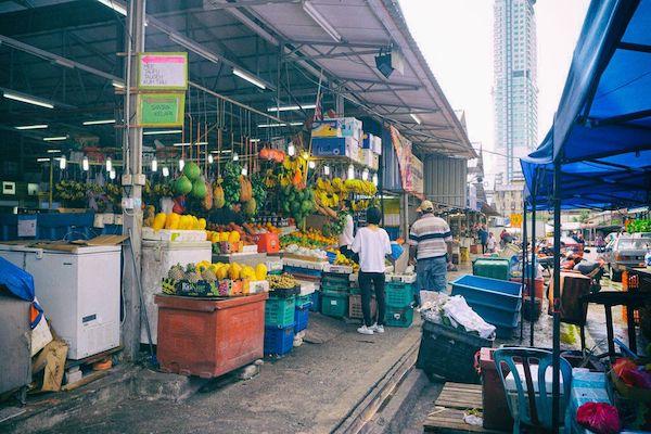 庶民御用達だという食のマーケット、チョウキット市場