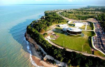 Vista aerea do Farol do Seixas, abaixo fica a praia do Seixas, Cabo Branco