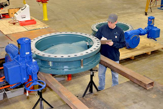 Large butterfly valve with actuator