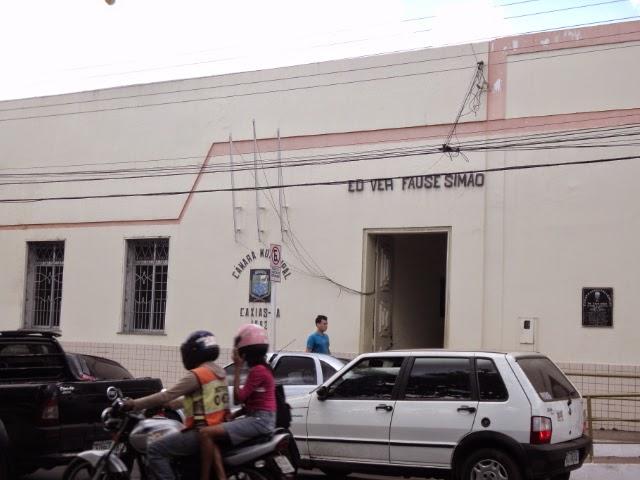 Sai de baixo!!! Prédio da Câmara Municipal ameaça desabar: POR BLOG DO SABÁ
