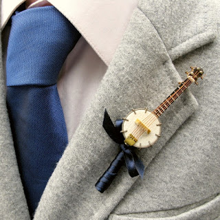K'Mich Weddings - boutonniere - wedding planning