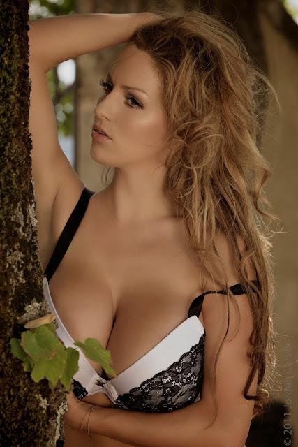 sexiest-Jordan-Carver-Fairy-Tale-hot-photo-shoot-picture-16