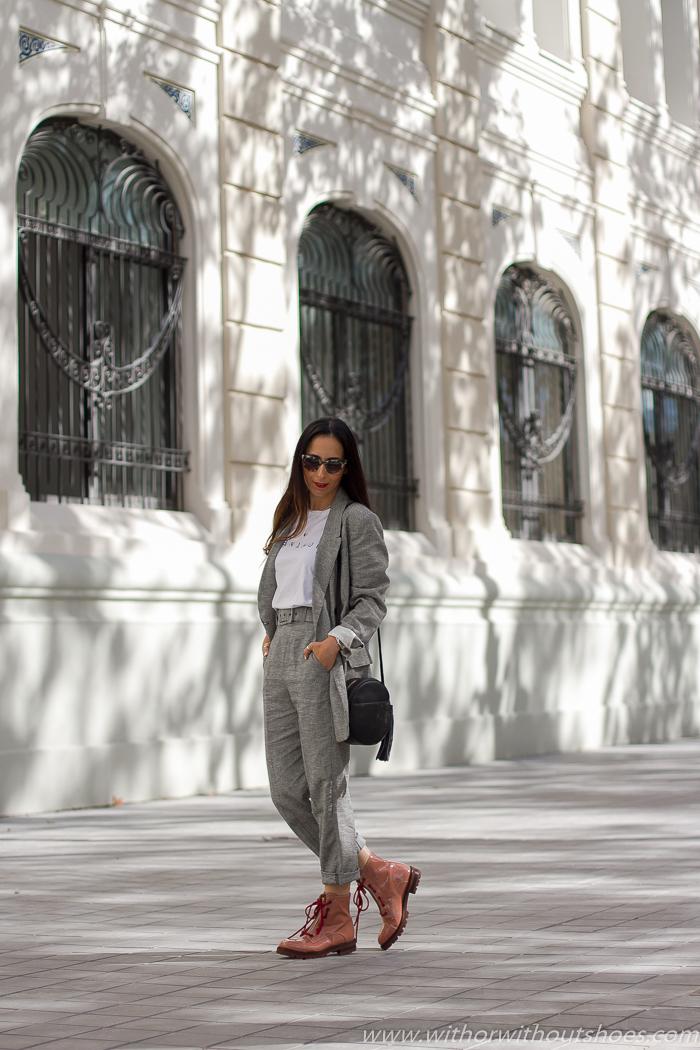 Streetstyle milan Look urban chic estiloso elegante ideas combinar traje con botas planas worker