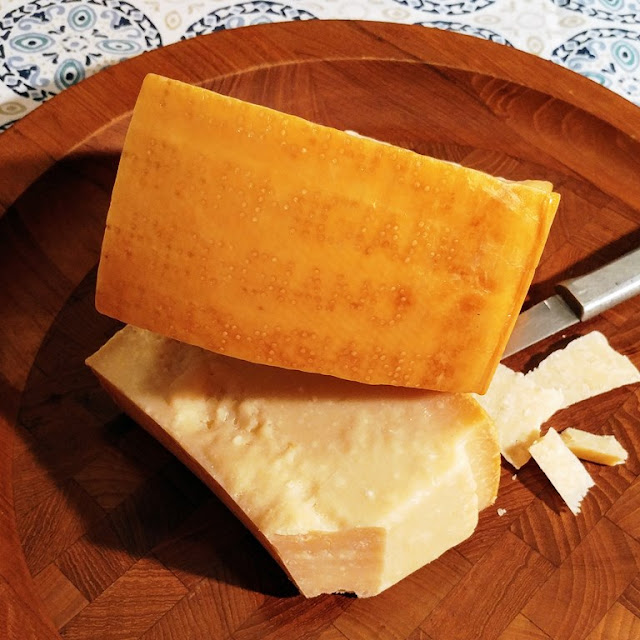 Parmigiano Reggiano name and dots on the rind #ParmesanAmbassador