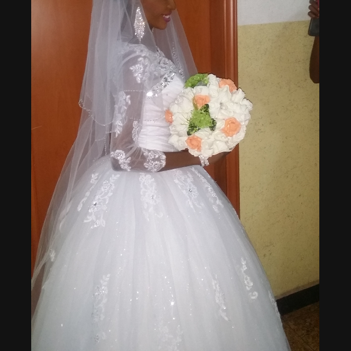 Selling Wedding Dresses 89 Lovely Whatsapp