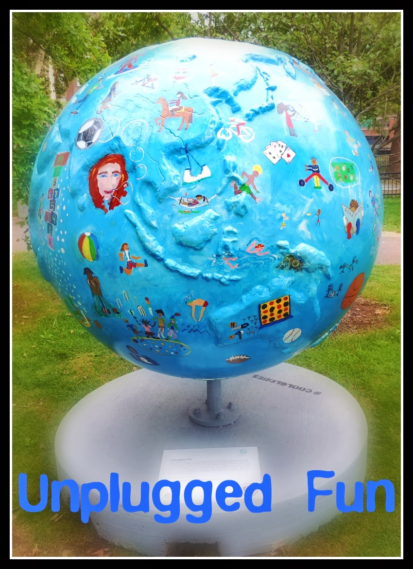 The Cool Globes en Boston: Unplugged Fun