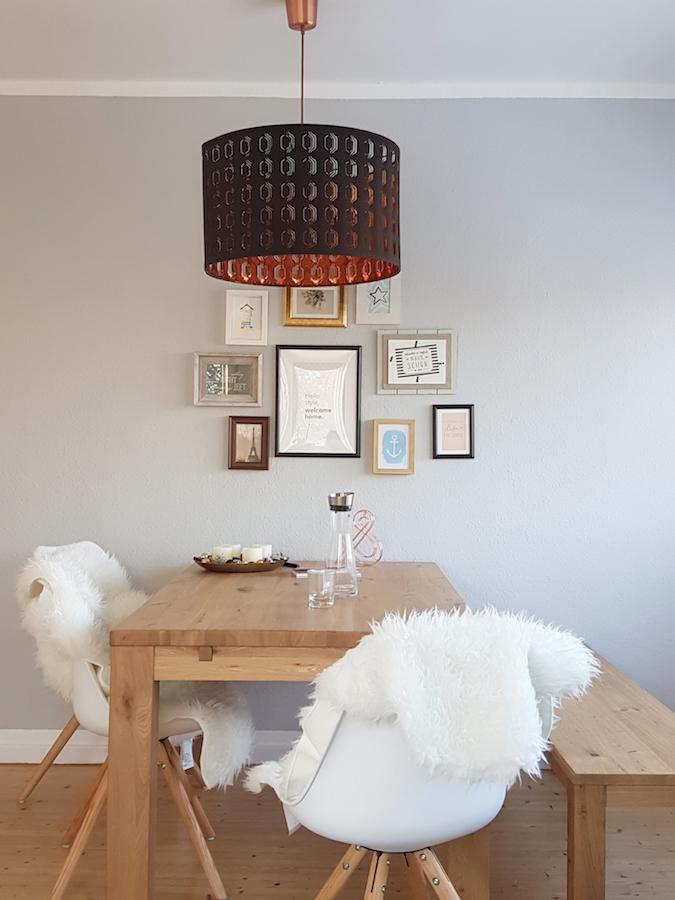 Ikea Lampe mit BIlderwand