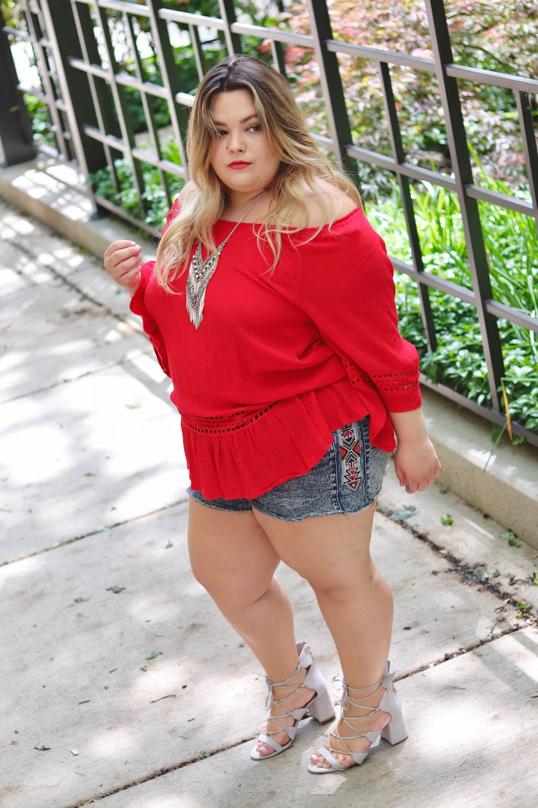 festival fashion inspiration, Chicago, blogger review, natalie craig, natalie in the city, plus size fashion blogger, Chicago blogger, midwest fashion blogger, plus size, affordable plus size fashion, DJ Khaled wild thoughts ft. Rihanna Bryson tiller, Rihanna red top wild thoughts, wild thoughts music video, Rihanna style, plus size fashion, fatshion, curves and confidence, curvy, summer plus size fashion