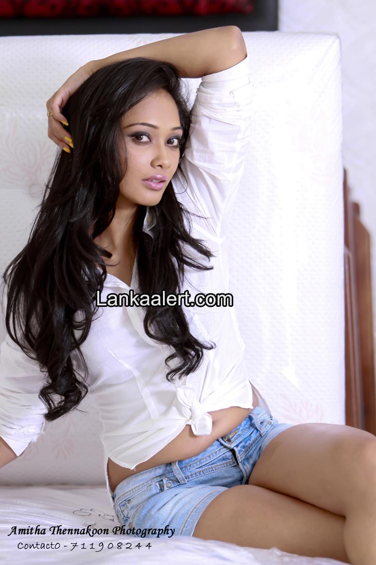 Sex Women Nude pics Hd: Yureni Noshika - Hot Young Sri