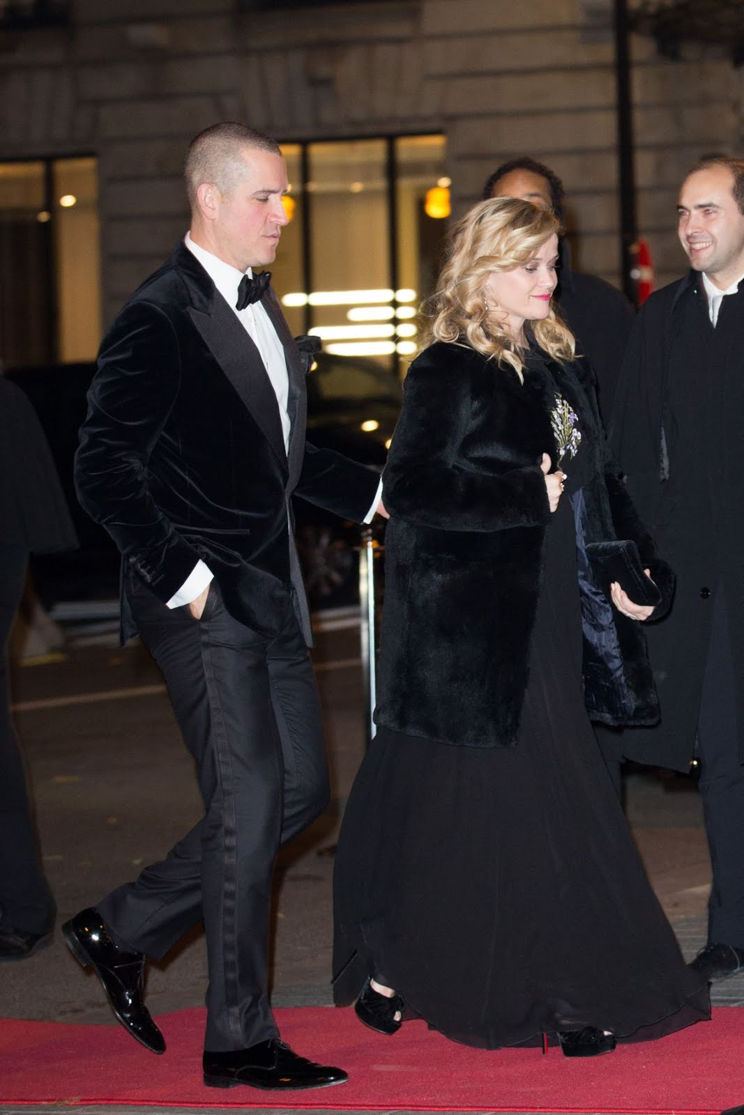 Photos of Reese Witherspoon Arrives at Peninsula Hotel in Paris