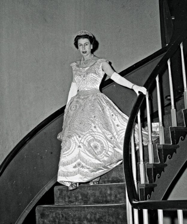 Queen Elizabeth Wedding Gown: Royal Family Around The World: The Royal Collection Has