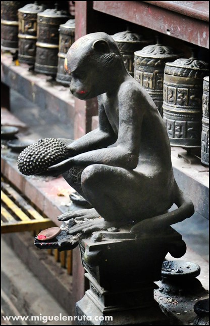 Golden-Temple-Patan-Nepal_14