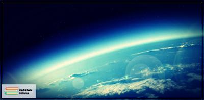 Atmosfer, Pengertian Atmosfer, Lapisan Lapisan Atmosfer, Pengaruh Atmosfer, Manfaat Atmosfer, Lapisan Ozon, Gas Rumah Kaca.