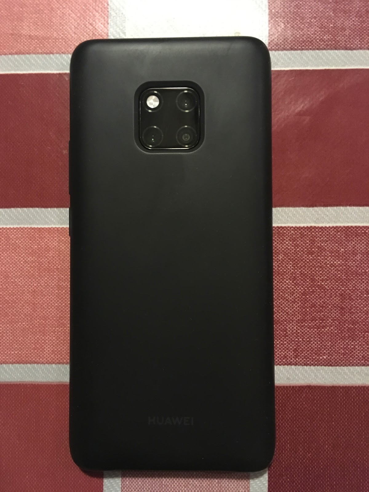 Huawei Mate 20 Pro REVIEW - Brings a whole new meaning to