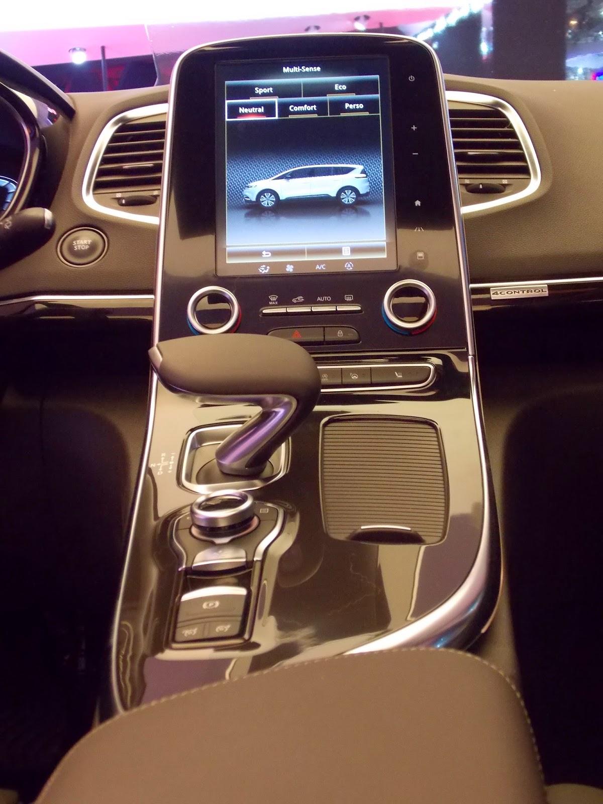voiture du futur nouvel espace et ford s max duel technologique dans le segment des familiales. Black Bedroom Furniture Sets. Home Design Ideas