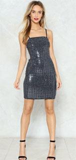 vestido mini en metalico con escote cuadrado 2018