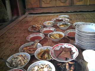 menu khas warga Pulau Maringkik yang didominasi menu ikan