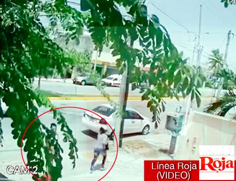 Cámara de video capta robo violento a plena luz del día en Playa del Carmen
