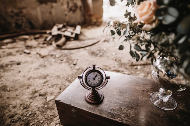 una boda industrial - editorial moda nupcial - fabrica abandonada