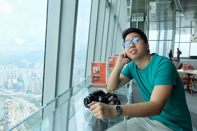 Renz Cheng in Sky100 Observation Deck