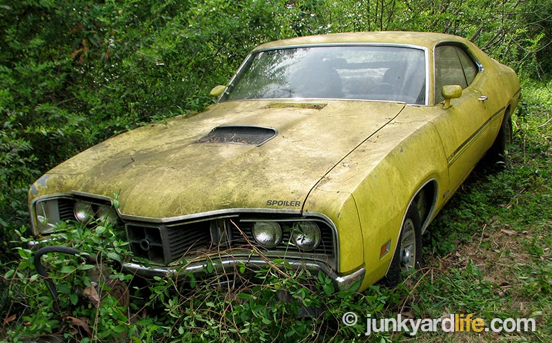 Junkyard Life  Classic Cars  Muscle Cars  Barn finds  Hot rods and     Junkyard Life s first glance at the 1970 Mercury Cyclone Spoiler     a storm  warning was coming our way