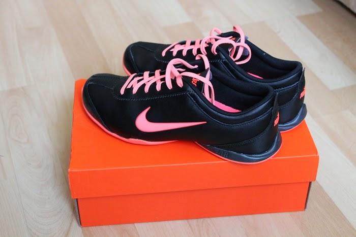 Nike WMNS AIR MUSIO