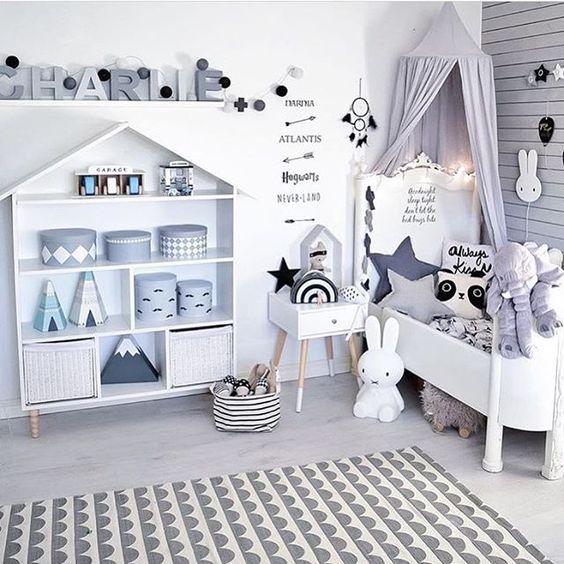 Kids Rooms Interior Designers In Hyderabad: Łóżko Dziecięce Dla 2-latki I Dziecka Starszego