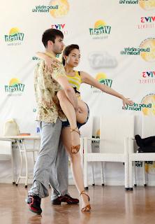 Ca sĩ Minh hằng lộ bướm trong bước nhảy hoàn vũ lộ hàng nóng xinhgai.biz