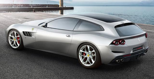 フェラーリGTC4ルッソT