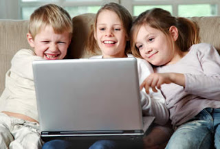 Melindungi Anak Saat Online