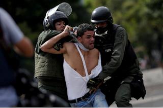 Venezuela usa força excessiva e prisões para sufocar protestos