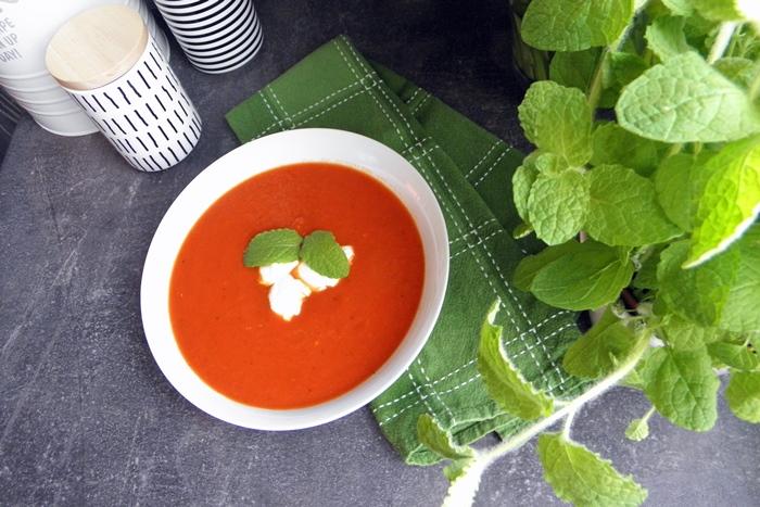 pomidorowa z puszki po włosku