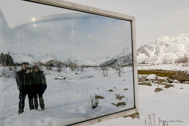 Islas Lofoten, Escultura de Espejos de Dan Graham por El Guisante Verde Project