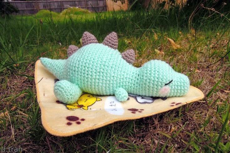 Baby Dinosaurs Free Crochet Pattern | Dinossauro de crochê, Tricô ... | 490x736