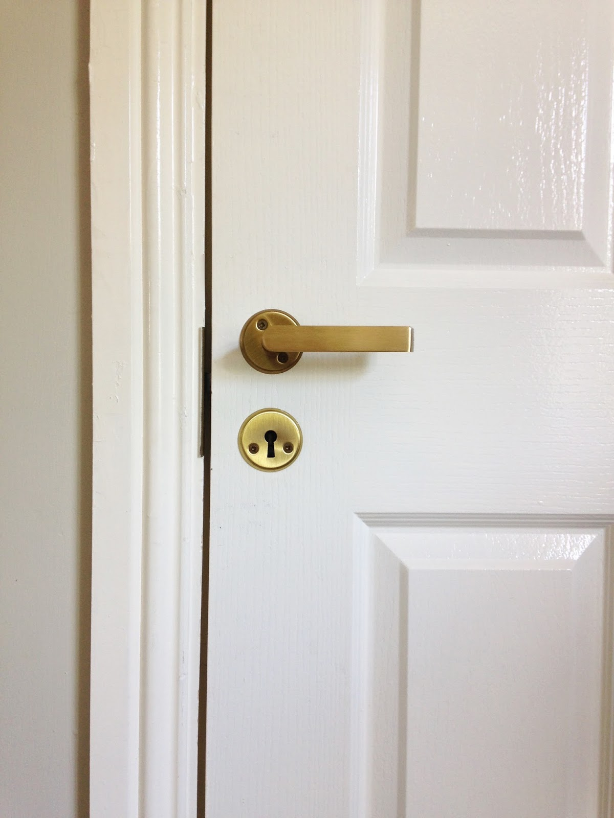 Spray painting interior door handles maison jen i thought silver was a good option until i read this post on housetweaking about replacing interior doors and hardware after reading the post i changed my planetlyrics Choice Image