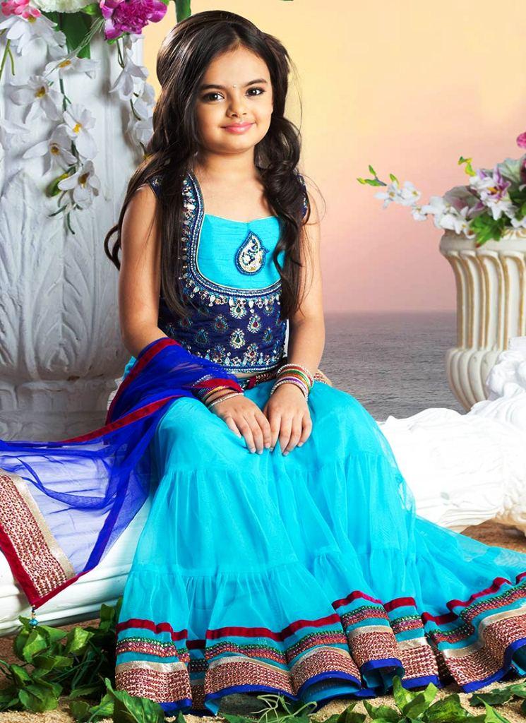 Foto Ruhanika Dhawan_Pemeran Ruhi Raman Bhalla_Serial Mohabbatein ANTV_Cantik Imut Cerdas_dua enam