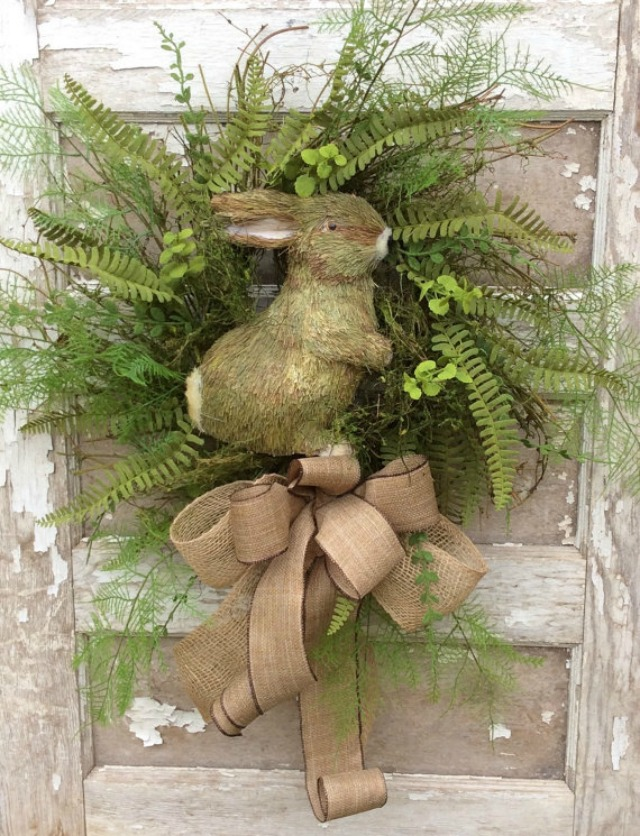 Love the natural look of this Easter bunny wreath